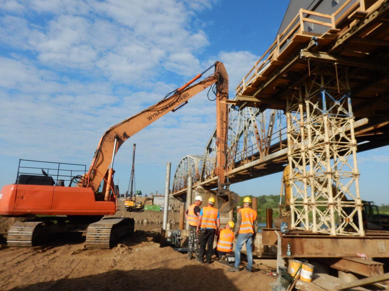 Wykop pod filar mostu kolejowego na Bugu_6