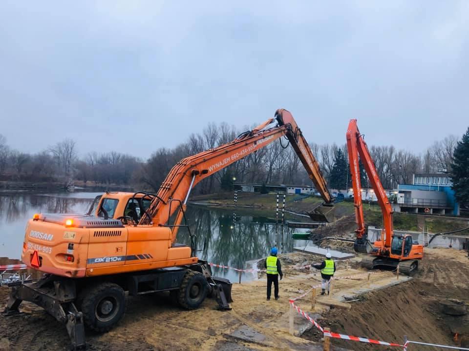 Prace ziemno - wodne w Porcie Praskim - Warszawa